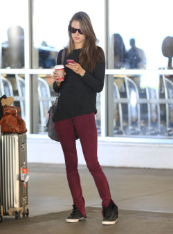 alesandracorineambrosio:  Alessandra Ambrosio arriving on a flight at LAX airport in Los Angeles, California on November 9th, 2012