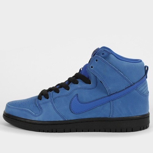 "Nike SB Dunk High ""Eiffel 65″ – December 2012As the year wraps up, Nike SB plans on going out strong with an Eiffel 65 inspired Dunk High release.For those who do not know who Eiffel 65 are or forgot, just remember one song, Blue. On to the shoe itself, it follows the same suit as the song with a game royal upper and contrasting Swoosh, tongue and sock liner. A full black sole is used to wrap up the sneaker along with minor details on the sneaker including a tumbled leather use on the Swoosh."