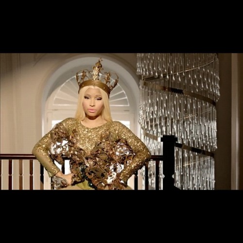 Get ready this is the #reup #freedom #nicki #minaj #nickiminaj #beautiful #blonde #queen #crown