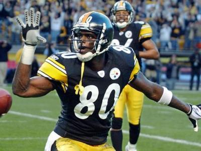 "via Yahoo Sports:""Receiver Plaxico Burress, the Pittsburgh Steelers' first-round draft pick in 2000, has re-signed with the team he hasn't suited up for since the end of the 2004 season"" read more here"
