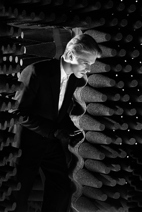 """When I was first photographing David Bowie, he kept changing the most fantastic outfits so quickly that many of them never got photographed. He would come out of the dressing room and before I could lift up a camera he went running back to make an adjustment. He would return twenty minutes later as a totally different person."" (Steve Schapiro)"