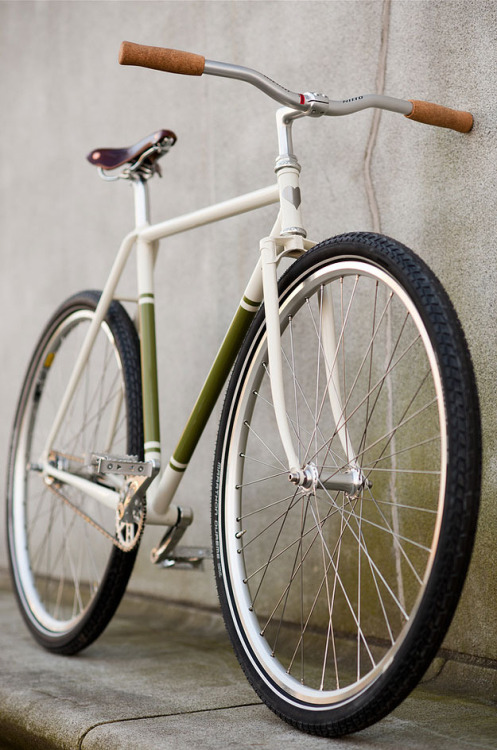 bikesandgirlsandmacsandstuff:  (via Fast Boy Cycles Burlington Burner – Cycle EXIF)