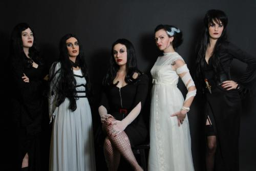 Women of Classic Horror photo shoot! I'm Vampira!