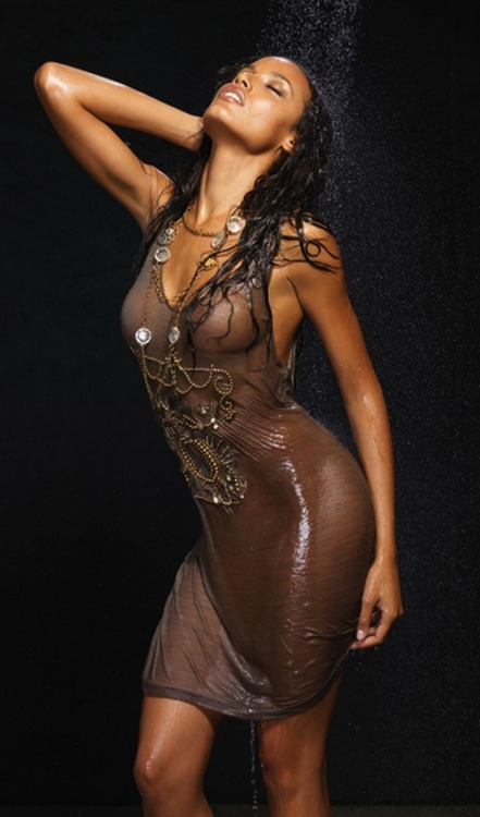 fotosasslindas:  Selita Ebanks   Would you be Amy's partner? -amy