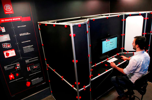 digg:  WHOA, the Makerbot store in NYC now has a 3D photobooth that will make 3D models of your head for $20-$60 depending on the size.   This is so cool. I need to go to the Makerbot store ASA-fucking-P.