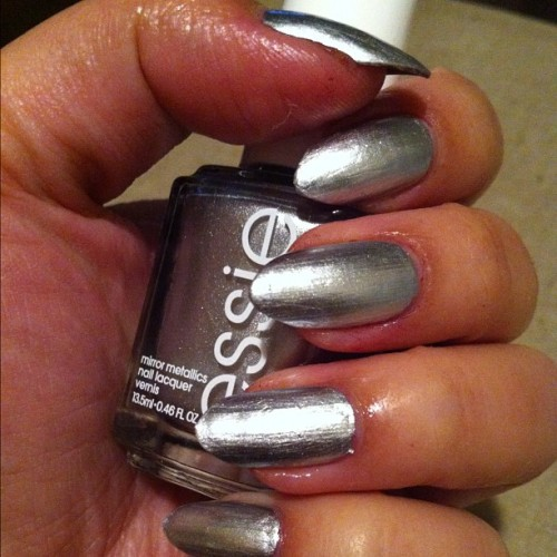 thanksgiving #nails . ✔ #essie #nailpolish #nailsdid #mani #noplacelikechrome
