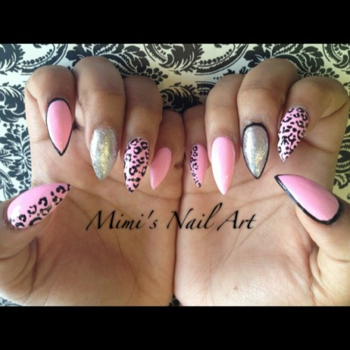 #nails #nailart #nailswag #nailartclub #nailartswag #nailartheaven #nailartoohlala #naildesigns #pink #leopard #leopardprints #glitter #mimisnailart  (at Mimi's Nail Art)