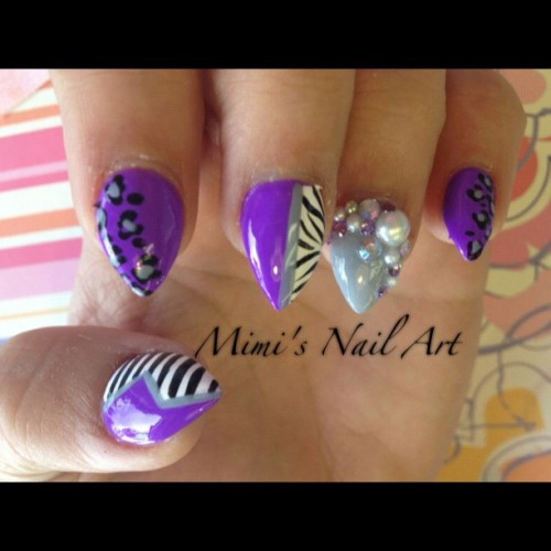 #nails #nailart #nailswag #nailartclub #nailartswag #naildesigns  #nailartheaven #nailartoohlala #diamonds #pearls #purple #stilettonails #stripes #zebra #zebraprints  #leopard #leopardprints #instanails #instanailart #mimisnailart  (at Mimi's Nail Art)