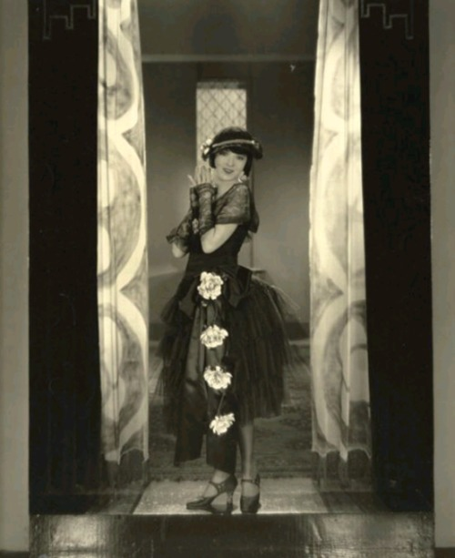 Colleen Moore and her fabulous dress - c. 1920s
