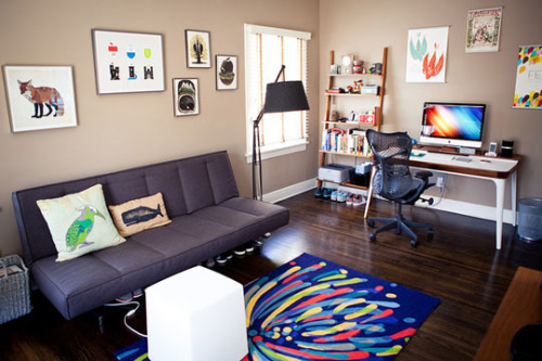 I really like this office. That desk is great.  (via Garrett Murray's LA Master Bedroom Home Office for 2 DeskTops | Apartment Therapy)