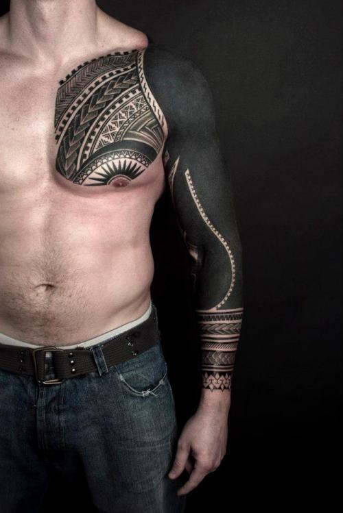 messagestothehomeworld:  Blackwork sleeve by Nazareno Tubaro 01 http://modificationinspiration.tumblr.com