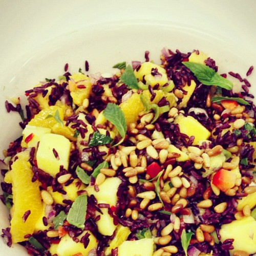 Black rice salad #mango #foodporn #school #salad #orange #instagood #instadaily #yum