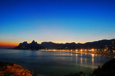 urbanthesia:  Sunset at Ipenaema,Rio by Dan Solanki on Flickr.