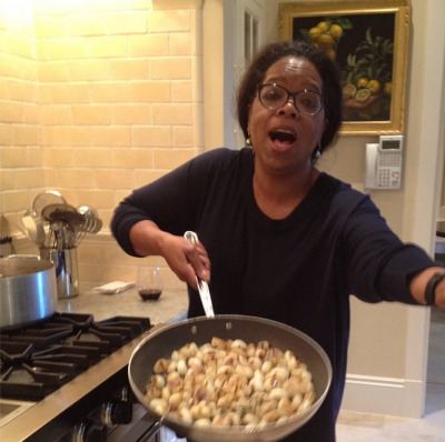 "Oprah: ""Carmelized onions so pretty they make me sing! Getting ready for Turkey day. Kitchen smells like HOME."""