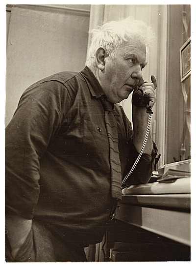 Artists: They're Just Like Us! They chat on the phone! Alexander Calder, 1956 / Foto Mercurio, photographer. Alexander Calder papers, Archives of American Art, Smithsonian Institution.