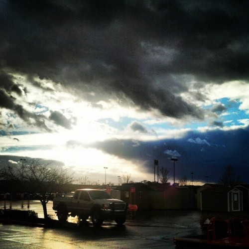 The #sky #today #rainstorm to #sunshine and #epic #clouds and ppl #complain about #washingtonstate #weather #lol