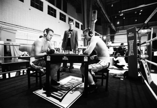 fastcodesign:  Pow! What can the wacky sport of chessboxing teach us about creativity? Are you good at switching between opposing brain functions?