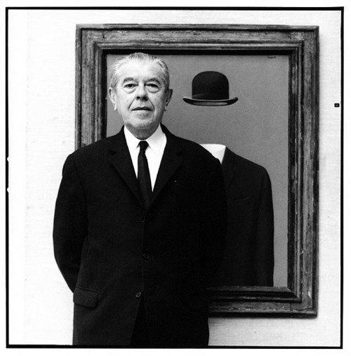 oldfilmsflicker:  Happy Birthday René François Ghislain Magritte (21 November 1898)