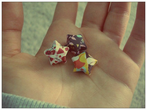 paromenicessia:  My friend King made me these origami stars~ Photography by Ely