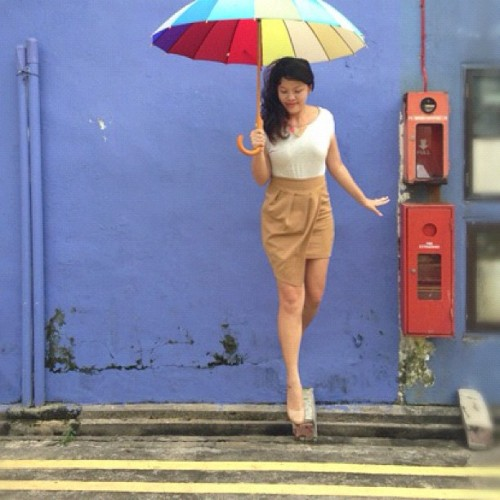 #OOTD // Prancing around Little India's back alleys with a rainbow umbrella.