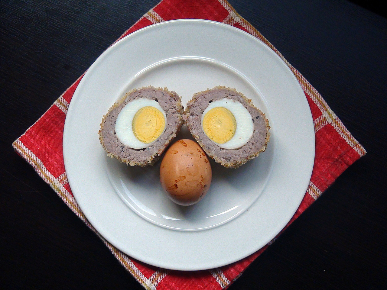 Combining 2 great recipes for 1 fantastic lunch: A Smoked Scotch Egg. Recipes at OutlanderKitchen.com…http://wp.me/p1WpG2-4u & http://wp.me/p1WpG2-Sf