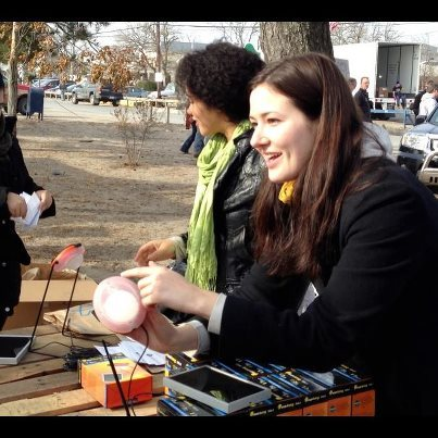 "NYU Students distribute solar lanterns to those affected by Hurricane Sandy Students in an NYU Wagner/NYU Stern undergraduate class – ""Practicum and Incubator for Social Innovation"" – have connected with Sun Giant Energy to distribute solar lanterns to New Yorkers still living without electric power as a result of Hurricane Sandy."