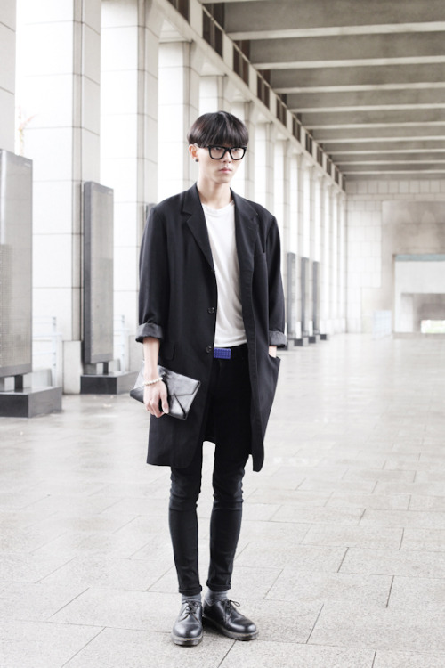 mensweartrumps:  Coat : Yohji Yamamoto, Top : no brand, Pants : Cheapmonday, Shoes : Dr.Martens, Bag : Ann Demeulemeester