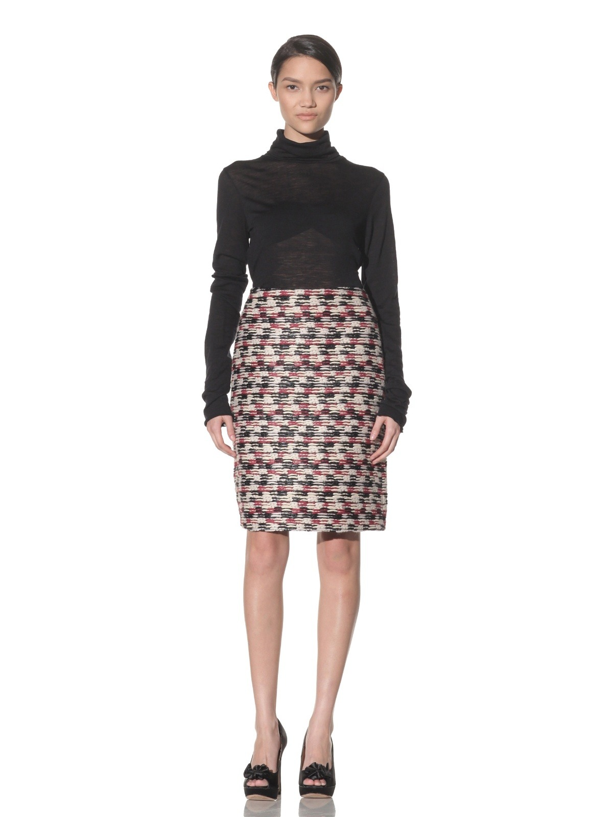 Deal of the Day: Derek Lam Chinz Tweed Pencil Skirt $199 Myhabit.com is currently having a flash sale with designer Derek Lam. There are many cute pieces but I find this tweed skirt is a staple that will last a lifetime. I am not a huge fan of the shirt it is matched with and feel a button down shirt is it's precise match. Perfect for the holiday season,and in-and-out of the office. It's a steal for $199.
