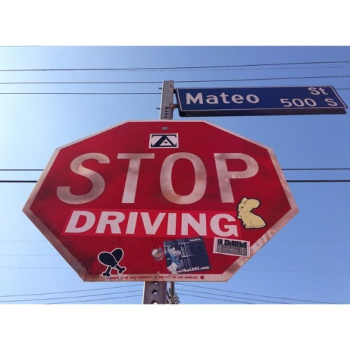 Slap it up! #sticker #dtla #chickenfarm #street #stop #slap #gochickenfarm #losangeles #insta #drumsticks #heart #yum #stickers (at Handsome Coffee Roasters)