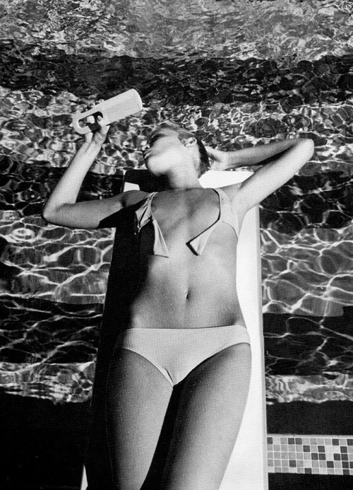 thedoppelganger:  Jerry Hall, ph. Helmut Newton