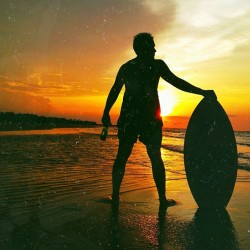 To skimboard is to live.