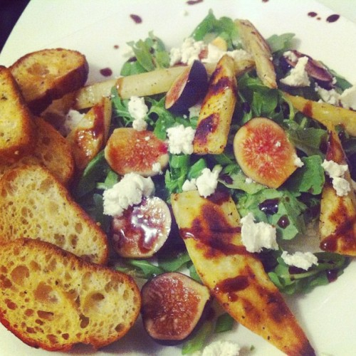 [HomeCookin] roasted Japanese sweet potato, fresh fig & goat cheese salad with balsamic glaze - adapted from Jerusalem - a cookbook. #food #cooking #salad #fig #vegetarian #fresh #eastvillage