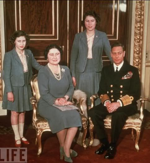 theroyalvincenza:  A family portrait of King George VI, Queen Elizabeth, and their daughters The Princess Elizabeth and The Princess Margaret