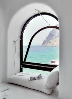 bluepueblo:  Reading Alcove, Santorini, Greece photo via dana
