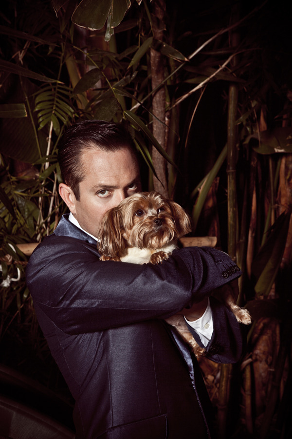 Thomas Lennon at home with dog this evening. 2012. Von Swank.