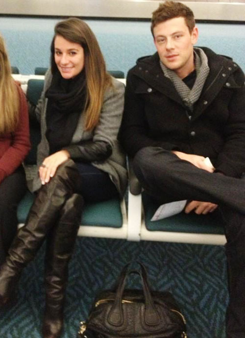 @sampiner_: Just chillin with lea michele and cory monteith in the Vancouver airport ✈😍 #nobiggie