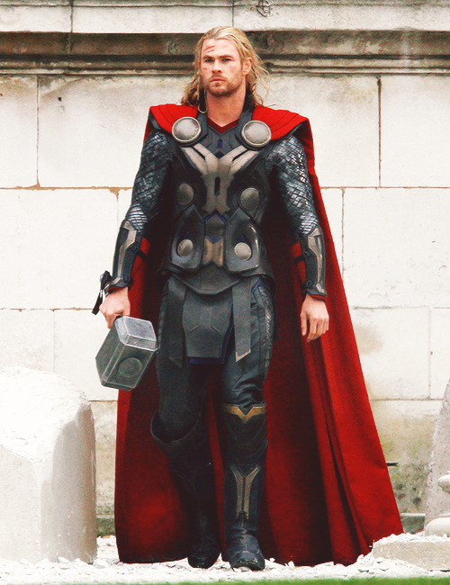 On Set of Thor: The Dark World, November 16, 2012