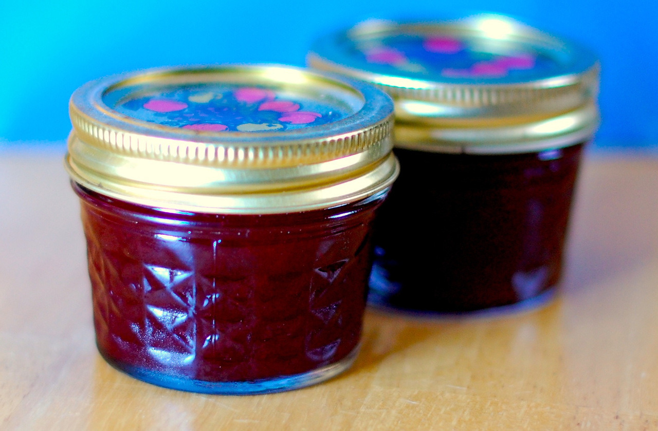 You can have your canned cranberry sauce (or not). I'll take my homemade spiced cranberry sauce. LITERALLY. I actually am taking it to the restaurant where we're having Thanksgiving. Along with Tupperware to surreptitiously bring home dessert. SHHH!