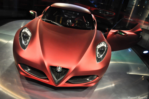 Glimpse of the future Starring: Alfa Romeo 4C (by Manuel Magaña)
