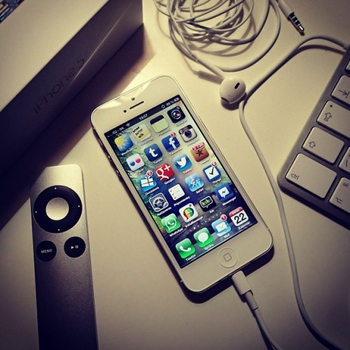 My new iPhone 5 ;) #instagram #statigramt #phototoday #popular #instamood #bestoftheday #picooftheday #igdaily #webstagram #instadaily #popularpage #instalove #instabest #photowall #instacool #instawaw #instacanvas #ignation #iphone5 #apple