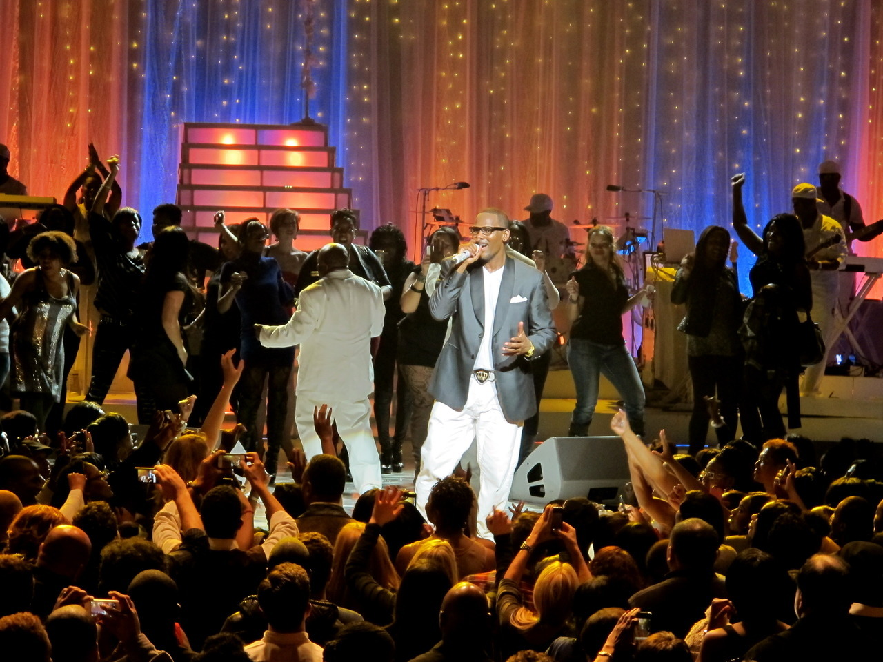 R. KELLY | MSG | SINGLE LADIES TOUR