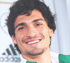 6 pics of Mats Hummels └ requested by moreawesomewithfootball