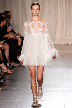 models-on-the-runway:  marchesa s/s 2013