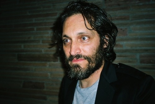 Vincent Gallo's semen is for sale! What a bargain at a million bucks a pop. Click on his face to see a letter I wrote to him to find out some finer details