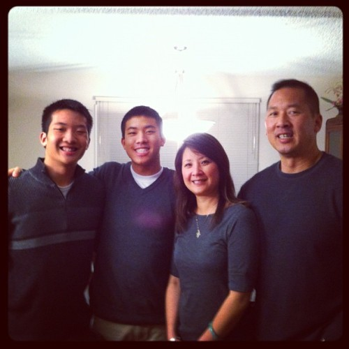 I'm thankful for my family! We matched on accident. @npyee27