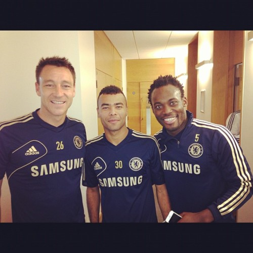 "iminlovewithcaptainterry:  Michael Essien:  ""JT ,ASH & ESS""  Look at Jooohn *-*"