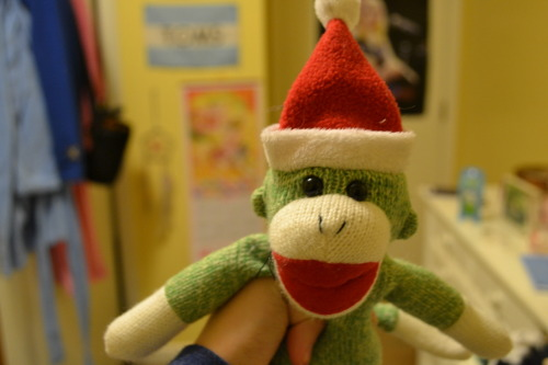youareaclotpole:  4 weeks until Christmas! The Christmas monkeys coming to town! :)
