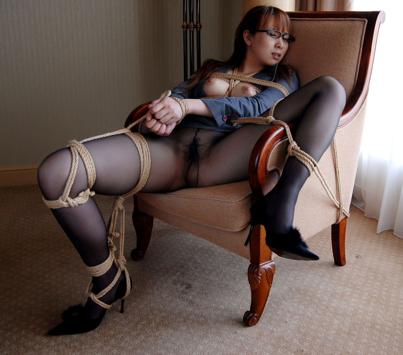 JAV chair shibari
