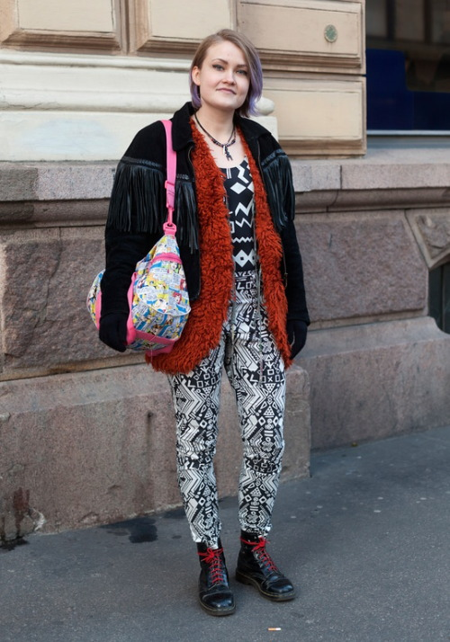 Mixed prints? Layered jackets? We love this look, photographed by Hel-Looks!