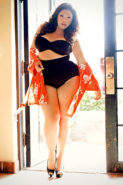 fffab:  bbwmatch:  Tiffany Bank  Curvaceous